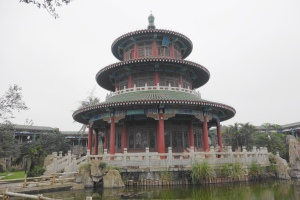 The Pond of Being Unsoiled (不染池), and the Pavilion of Breeze (清风阁)