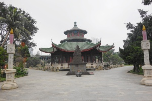 The Candlestick HuaBiao (烛台华表), and the Stone Statue of HaiRui (海瑞石雕像)